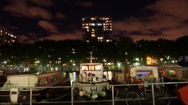 Kanal bei Nacht Bote