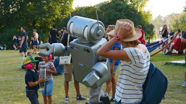 Oya Festival – Kinder und Roboter