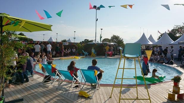 Oya Festival – Pool Rückseite