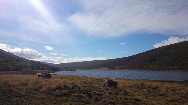 Island Nordosten Gebirgssee